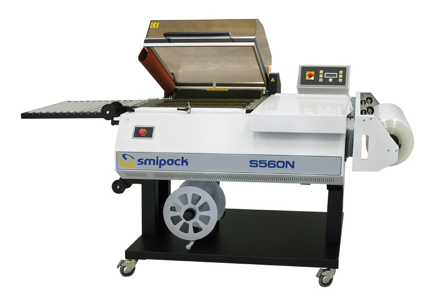 Chamber shrink wrapping machines
